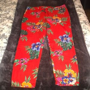 Mid-Rise Pixie Ankle Pant